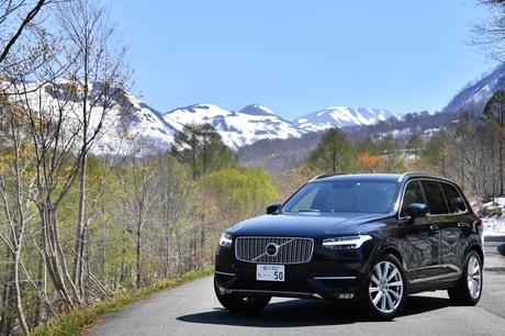 「ボルボXC90」のクリーンディーゼル搭載車は、ガソリン車やPHVも選べるXC90において、今後メインになると...