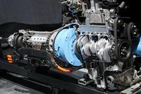 ハイブリッドシステムは、3リッターディーゼルエンジンにモーターを組み合わせている。