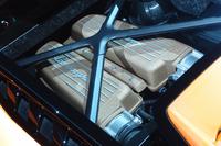 チタン製バルブを採用した5.2リッターV10エンジンは、最高出力640psを発生する。