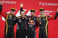 今年で4回目の開催となった韓国GPの表彰台。レッドブルのセバスチャン・ベッテル(写真左から3番目)はポールポジションから4連勝、今季8勝目を飾った。2位はキミ・ライコネン(左端)、3位にロメ・グロジャン(右端)とロータスの2人がポディウムに登壇した。(Photo=Red Bull Racing)