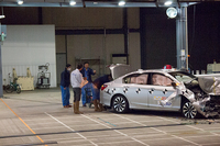 第228回:ハイブリッド車のオフセット前面衝突試験自動車アセスメント公開試験リポートの画像