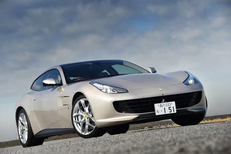 V8ターボエンジンを搭載するフェラーリの4シーター「GTC4ルッソT」に試乗。その走りにはどんな特徴があるの...