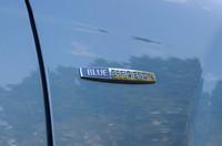 """低燃費モデルにのみに与えられる""""BLUE EFFICIENCY""""バッジ。"""