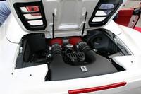 570psを発生する4.5リッターのV8を搭載。7段のF1デュアルクラッチトランスミッションが組み合わされる。