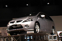 【Movie】三菱の燃料電池車「MFCV」発表会にて(その2)