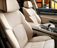 BMW7シリーズにAPECを記念した特別限定車の画像