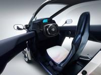 トヨタ、2人乗りEVのコンセプトカーを出展【ジュネーブショー2013】の画像