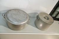 この鍋が、クルマの話題とどう結びつくのか? 詳しくは、次ページ以降で。