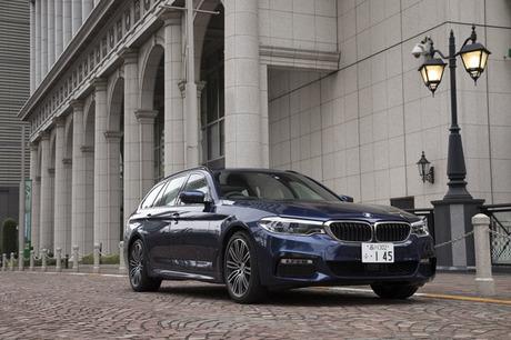 2017年春に世界初公開された新型「BMW 5シリーズ ツーリング」のデリバリーが国内でスタート。その走りや使...