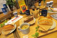 ドイツの食文化を取り入れたというフードメニュー。サンドイッチは銀座のマルディグラが監修したものを、常時4種類そろえている。