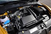 「ザ・ビートルR-Line」の1.4リッター直列4気筒DOHCターボエンジンは、最高出力150ps、最大トルク25.5kgmを発生する。