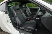テスト車には、オプションのアルカンターラと本革のコンビシート(シートヒーター付き)が装備されていた。