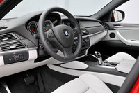 BMW X6 M(4WD/6AT)【海外試乗記】の画像