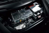 スズキ、「スイフト」ベースのEVを公開【東京モーターショー2011】