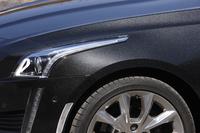 車体色は写真の「ブラックダイヤモンド」のほか、「ホワイトダイヤモンド」「レッドオブセッション」「ラジアントシルバー」「セーブルブラック」の5色が用意される。