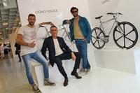 新興の自転車ブランド、チーニョ・ヴェローチェのメンバーたち。