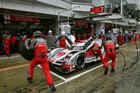 雨の富士では、多くのチームがタイヤの選択に翻弄(ほんろう)された。写真は、7号車のアウディR18 e-tron クワトロ。