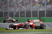 2位に入ったフェラーリのアロンソ(写真)。5番グリッドからスタートで僚友フェリッペ・マッサに次ぐ3位にジャンプアップ。その後はタイヤ交換のタイミングでアンダーカットをはかり優勝を狙ったが、ロータス&ライコネンの2ストップ作戦にかなわず。フェラーリはマッサも4位入賞を果たし、コンストラクターズチャンピオンシップをリードしている。(Photo=Ferrari)