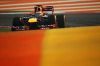 スタートでしっかりトップを守り、あとはタイヤをケアしながら逃げ切る。王者ベッテルは危なげない戦いぶりで快勝し、シンガポールGPから続く連勝は「4」まで伸びた。自身2度目の4連勝で、チャンピオンシップでのリードも6点から13点に広げたベッテルに、死角はあるのか?(Photo=Red Bull Racing)
