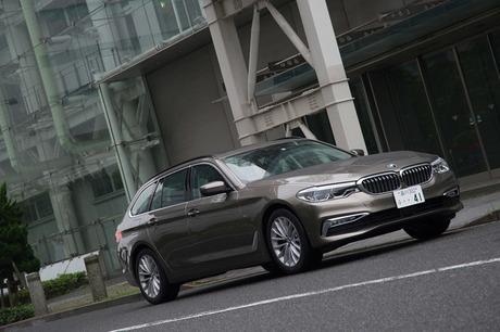 誕生から4世代を数える「BMW 5シリーズ」のステーションワゴン、「5シリーズ ツーリング」の新型が日本に導...