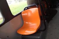 シエナ市内バス車内のFRP製シート。車両自体は「アウトードロモ」という、もう倒産してしまったカロッツェリア製だが、このシートはさまざまなバスに使われている、いわば汎用(はんよう)品である。