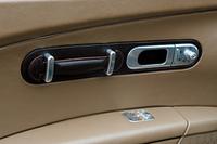 エルメスデザインの「ブガッティ・ヴェイロン」は2億7800万円【ジュネーブショー08】の画像