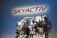 マツダ、次世代のベース技術「スカイアクティブ」を発表