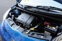 エンジンは1リッターの3気筒。公称される性能値は、0-100km/h加速が14.2秒で、最高速度は157km/h。