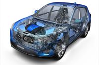 2012年2月に登場した「CX-5」。クリーンディーゼルエンジンが話題となったが、ボディーやサスペンションなども従来のマツダ車から一新されていた。