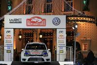 モナコのカジノ前広場で公開された「フォルクスワーゲン・ポロR WRC」。