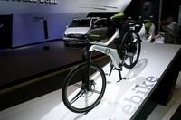 """電動アシスト自転車の「eバイク」。25km/hを超えると電動アシストが切れる。スマートは""""総合モビリティメーカー""""を目指している?"""