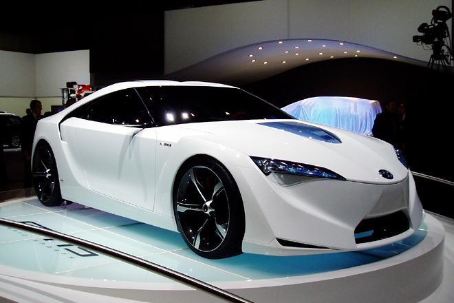 「トヨタ FT-HS」 デトロイトでも見かけた「FT-HS」は、そのサイズからスープラというよりはセリカ的なキャラクターを感じさせる。「サイオン」ブランドからのデビューが妥当に見えるデザイン。
