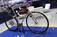 ピニンファリーナと、テーラーメイド自転車工房「43ミラノ」による、30台限定生産のバイシクル。
