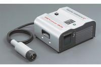 オプションの「MiEVパワーボックス」(写真)などを接続すれば、非常時の電源としても活用可能。