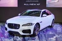 新型「ジャガーXF」。写真は、最もスポーティーなモデルとされる「XF S」。