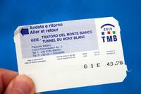 往復通行券は、43.7ユーロ。帰りまで大切に持っていよう。