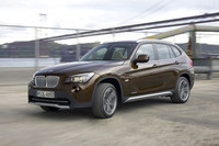 【Movie】「BMW X1」が走る!