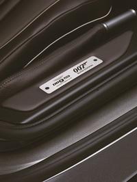 アストン、『007』の新作を祝う特別なDB9を発表の画像