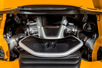 3.8リッターV8ツインターボエンジンは、2013年モデルのクーペと同様、625ps/7500rpmと61.2kgm/3000-7000rpmを発生。
