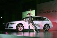 発表会は、クラシックバレエダンサーの橘るみさん、三木雄馬さんによるバレエパフォーマンスとともに開会した。