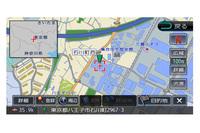 地図をスクロールさせると探している位置がどのあたりかわからなくなるもの。「フライビューマップ」は広域地図を左肩に表示して全体像を把握しやすくする機能。