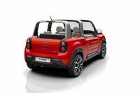 仏ボロレのEVコンポーネントを使用している。複合企業ボロレ・グループは、フランスでカーシェアリング事業「オートリブ」を展開している。