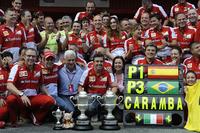 フェラーリのフェルナンド・アロンソが母国スペインで優勝。フロントローが勝つという定説を覆し、予選5位から勝利した。今季2勝目は自身通算32勝目、ナイジェル・マンセルを抜き歴代勝利数4位にその名を刻んだことになる。フェリッペ・マッサが3位に入りスクーデリアは「CARAMBA(驚き)」のダブル表彰台。(Photo=Ferrari)