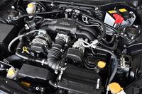搭載される2リッター水平対向4気筒エンジンは従来モデルと変わらず、200psと20.9kgmを発生する。