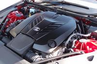 「LC500」に搭載される5リッターV8エンジン。新開発の10段ATが組み合わされる。