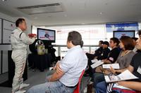 第96回:スポーツカーに乗るなら、テクニックもスポーティに 〜ポルシェでドライビングテクニックの基礎を学ぶ!