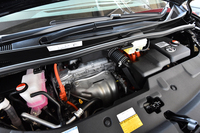 2.5リッター直4エンジンにモーターを組み合わせる、ハイブリッドシステム。