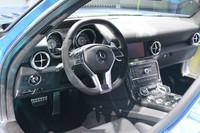 「SLS AMGクーペ エレクトリックドライブ」のインテリア。「SLS AMGクーペ」のデザインが踏襲される。