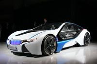 こちらは、コンセプトカーの「BMWビジョン・エフィシェントダイナミクス」。「BMW i8」のベースとされる。