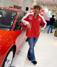 WRC第14戦「ラリージャパン」のために来日したセバスチャン・ローブと。